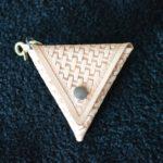 三角コインケースバスケット1