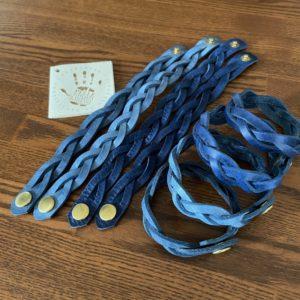 3つ編みブレスレットブルー3